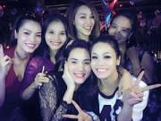 """Làng sao - Trang Nhung bầu 5 tháng vẫn """"đam mê"""" tiệc tùng"""