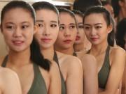 Người mẫu - TQ: Tranh cãi vì nữ sinh mặc bikini, co ro trong giá rét