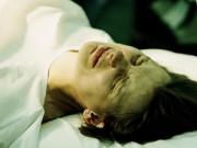 Chuyện đi đẻ: Vợ quỳ dưới đất ôm bụng khóc, chồng không cầm nổi nước mắt - 3