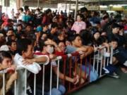 Tin tức - TP.HCM: Chen chúc mua vé xe khách về quê ăn Tết