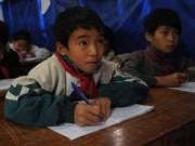 Giáo dục - Trẻ em vùng cao run rẩy tới trường