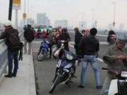 Tin tức - Hà Nội: Người dân được phép tham quan cầu Nhật Tân