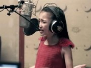 Clip Eva - Bé 9 tuổi hát Call me maybe cực hay