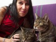 Tình yêu - Giới tính - Người phụ nữ kỉ niệm 10 năm ngày cưới với... mèo