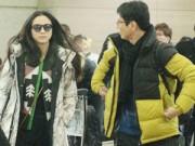Làng sao - Vợ chồng Thang Duy náo loạn sân bay sau đám cưới