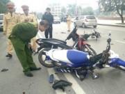 Tin tức - Nghệ An: 3 xe máy tông nhau, 3 người bị thương nặng