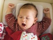 Làm mẹ - Nguy hại khôn lường khi cho trẻ dùng gối quá sớm