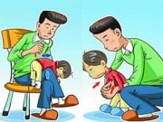 Làm mẹ - Minh họa cách sơ cứu trẻ bị hóc nghẹn mẹ phải biết