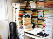 Tin tức - TQ: Nam sinh sở hữu 2.000 cuốn sách trong KTX