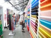 """Thời trang - Những """"đặc sản"""" của chợ vải Sài Gòn cuối năm"""