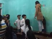Tin tức - Nữ sinh túm tóc, đánh giáo viên ngay trên bục giảng