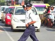 Clip Eva - Cảnh sát vừa điều khiển giao thông vừa nhảy