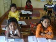 Tin tức - Cô giáo cắm bản kể chuyện 'dụ' học sinh đi học sau Tết