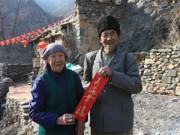 Tình yêu - Giới tính - Đôi vợ chồng già 36 năm sống trong ngôi làng bỏ hoang
