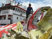 Tin tức - Indonesia bắt đầu trục vớt thân máy bay AirAsia