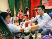Tin tức - Hàng nghìn người tham gia hiến máu ngày 'Chủ nhật đỏ'