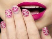 Làm đẹp - Chọn màu nail xinh lung linh đón tết