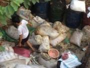 Tin tức - Xưởng chế mỡ bẩn trong căn nhà hoang giữa Hà Nội