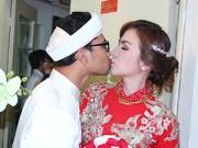 Làng sao - Huỳnh Đông hôn vợ ngọt ngào trong lễ rước dâu