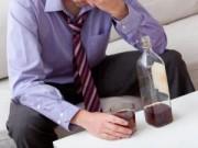 Sức khỏe - Uống rượu nhiều tăng nguy cơ đột quỵ sớm