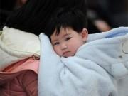 """Làm mẹ - Trẻ em TQ bước vào cuộc """"Đại di cư"""" về quê ăn Tết"""