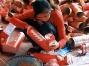 Tin tức - Về làng Đông Hồ xem 'sản xuất' đồ cúng Táo quân