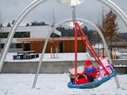 Làm mẹ - Na Uy: Trẻ con thường ngủ trưa dưới trời tuyết lạnh âm độ