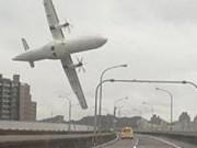 Clip Eva - Khoảnh khắc máy bay từ từ lao xuống sông
