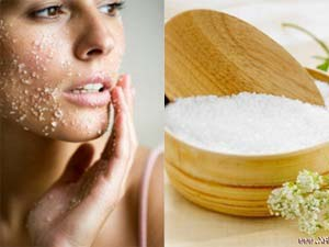 Chế biến hạt gạo thành bột tẩy da chết hiệu quả