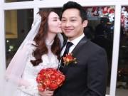 Làng sao - Trúc Diễm lãng mạn hôn chồng trong tiệc cưới