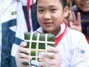 Tin tức - Học sinh Hà Nội hớn hở với trải nghiệm gói bánh chưng
