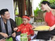 Làng sao - Vợ chồng Kiwi Ngô Mai Trang tự tay gói bánh chưng