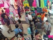 Thời trang - Thị trường thời trang hối hả ngày cận Tết