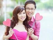 MC Anh Quân hôn Kavie Trần trên phố mừng Valentine