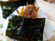 Bếp Eva - Thưởng thức món cơm nắm gà cay kiểu Nhật