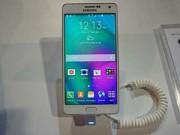 Eva Sành điệu - Ảnh thực tế của smartphone kim loại nguyên khối Samsung Galaxy A7