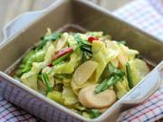 Bếp Eva - Bắp cải xào nấm đơn giản mà ngon