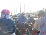 Tin tức - Hàng ngàn người đổ về TP.HCM sau Tết