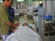 Y tế - Thiếu niên 14 tuổi bỏng nặng mắt do đốt pháo
