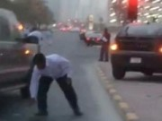 Tin tức - 17 tỉ tiền mặt rơi như mưa xuống đường phố Dubai