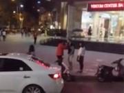 Eva Yêu - Xôn xao clip chàng trai quỳ gối trước mẹ bạn gái