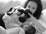"""Bà bầu - Gặp """"mẹ sữa"""" mê mẩn chụp ảnh cho con ti"""