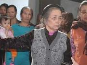 Tin tức - Chuyện bà lão 30 năm nhặt nhạnh tôn tạo Phủ Dầy