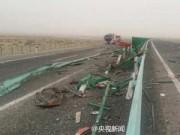Tin tức - TQ: Lật xe trên đường cao tốc, gần 60 người thương vong