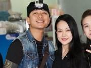 Làng sao - Tuấn Hưng đưa bà xã hot girl đi chùa đầu năm