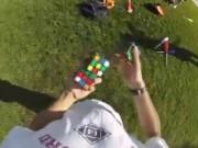 Clip Eva - Vừa tung hứng vừa xếp rubik