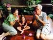 Làng sao - Bố mẹ chồng diva Hồng Nhung lần đầu lộ diện