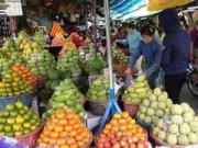 """Kinh nghiệm mua - Trái cây """"leo giá"""" sau Tết"""
