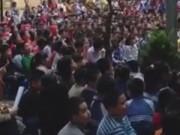 """Clip Eva - Hàng trăm học sinh tiểu học hát """"Chắc ai đó sẽ về"""""""