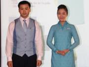 Xu hướng thời trang - Đồng phục mới của tiếp viên Vietnam Airlines bị chê xấu